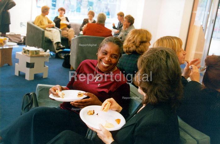 Women Trade Union members - informal meeting - Joanne O'Brien - 20021024