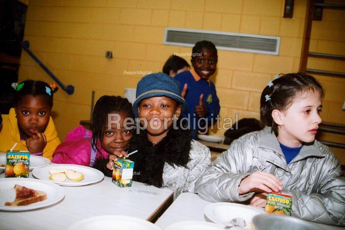 Breakfast club in primary school to encourage children to eat in the morning Harigey London - Joanne O'Brien - 20021024