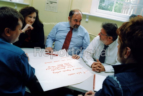 Meeting of managers in social services Harigey - Joanne O'Brien - 20021024