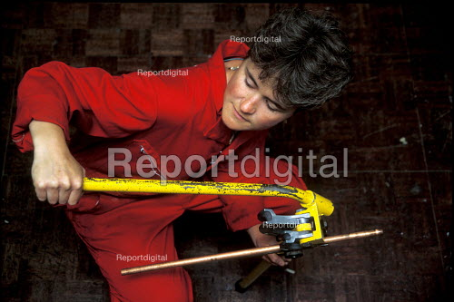 Woman plumber local council Hackney London - Joanne O'Brien - 20021024