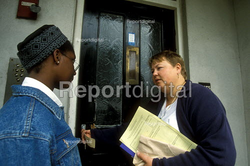 Two housing officers viewing council property London - Joanne O'Brien - 20021024