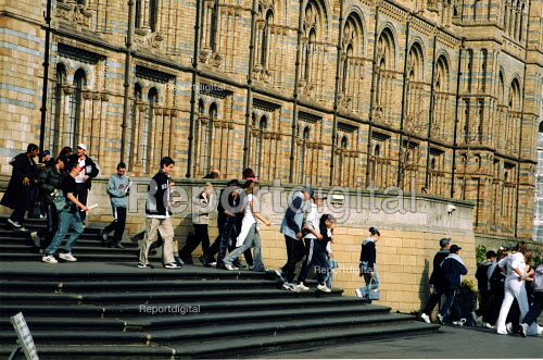 Visitors leaving the Natural History Museum, London - Joanne O'Brien - 20021024