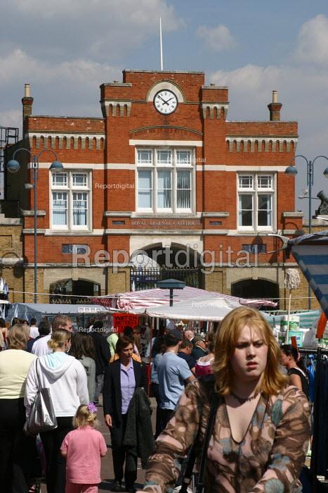 Woolwich market, London - Joanne O'Brien - 2004-05-24