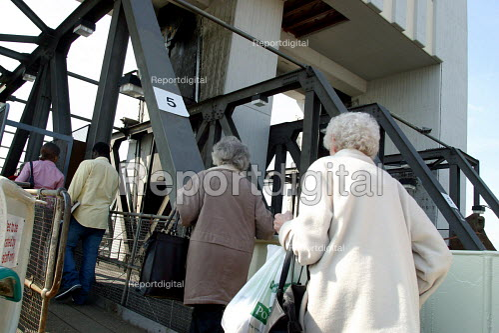 Passengers on the Woolwich Free Ferry, Greenwich London - Joanne O'Brien - 2004-05-24