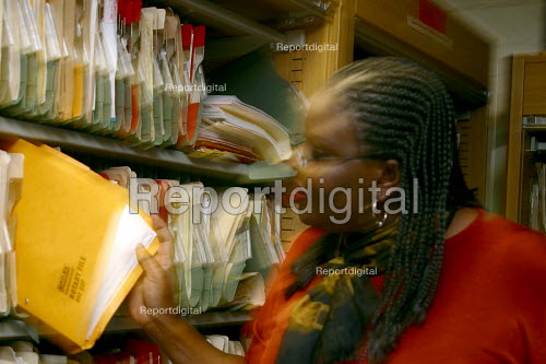 Council Housing staff and files. London - Joanne O'Brien - 2004-05-24