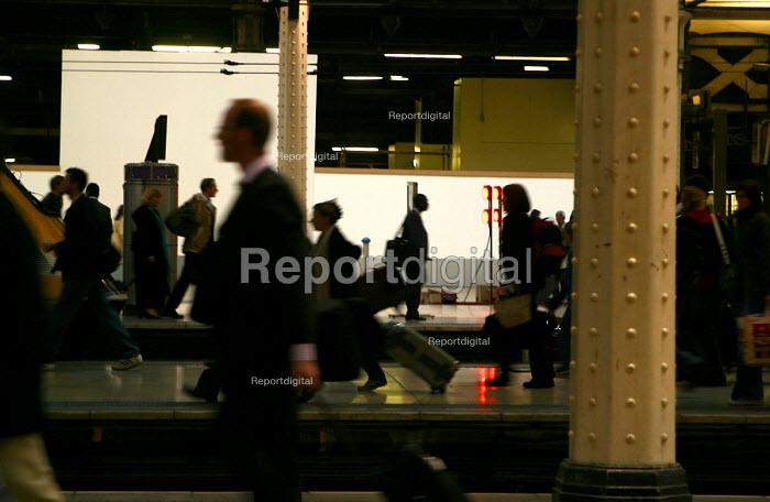 Commuters at Paddington Station, London - Joanne O'Brien - 2004-05-20