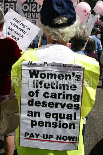 Pensioners protesting for better pensions, London, June 2004 TUC Pensions march. - Joanne O'Brien - 20021024