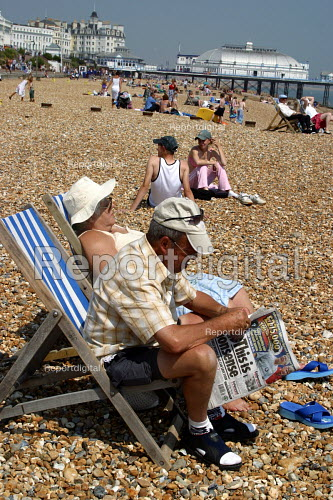 Eastbourne beach during the heatwave - Joanne O'Brien - 20021024