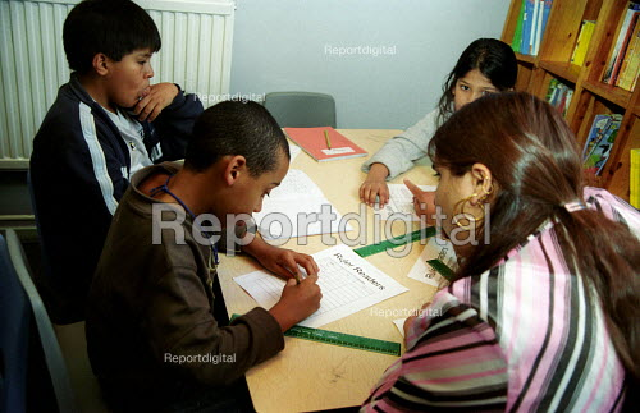Pupils at primary school, London - Joanne O'Brien - 20021024