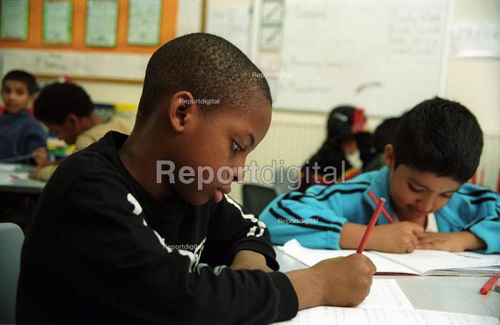 Primary school in London - Joanne O'Brien - 20021024