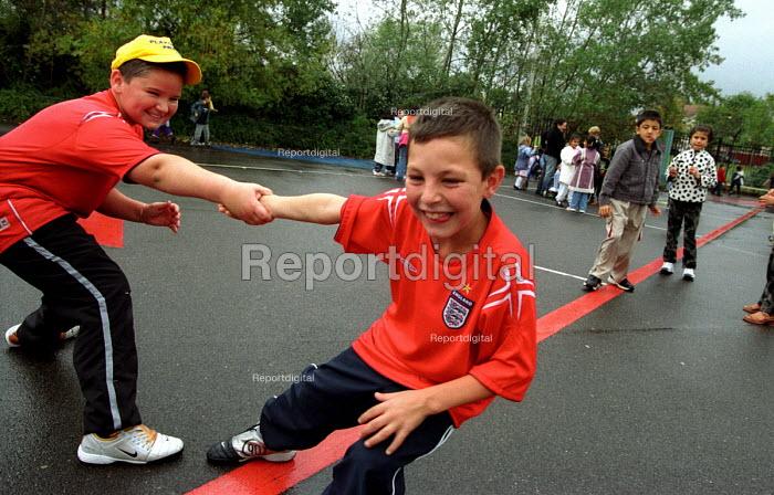 Playground in London primary school - Joanne O'Brien - 20021024