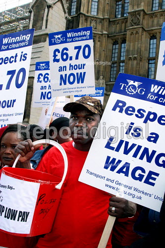 Cleaners at the House of Commons on a 24 hour strike for better pay. They are currently paid 5 pounds per hour which is below the minimum wage. Migrant workers from the Ivory Coast. - Joanne O'Brien - 2005-07-20