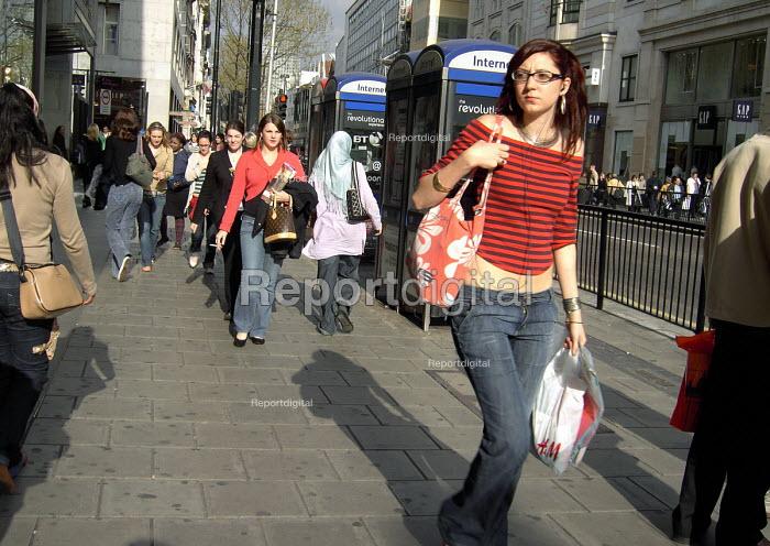 Shoppers on Oxford Street, London - Joanne O'Brien - 2006-04-26