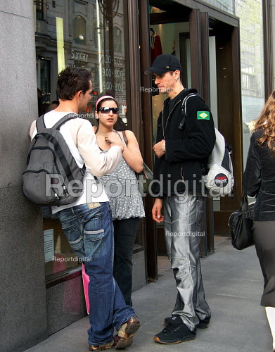 Young people on Oxford Street outside Top Shop - Joanne O'Brien - 2006-04-26