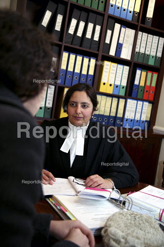 Poonam Bhari, barrister specialising in family law taking instructions from client in her chambers, London - Joanne O'Brien - 20061221