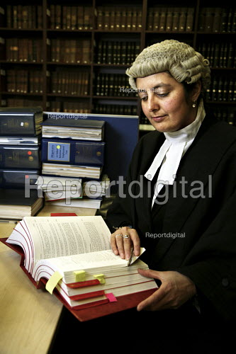 Poonam Bhari, barrister specialising in family law, in the library at her chambers, London - Joanne O'Brien - 20061221