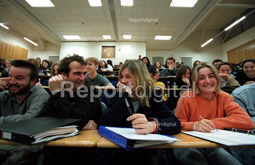 Students in lecture theatre - Roy Peters - 1997-03-20