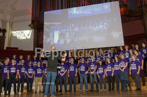 TUC Rally and Lobby against Trade Union Bill, Westminster, London, 2015. UNISON Choir singing at the Rally. - Stefano Cagnoni - 2015-11-02