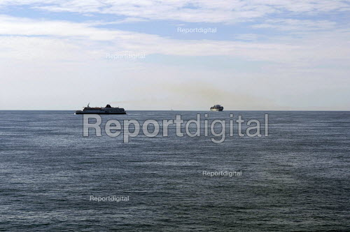 P&O ferry and a large container ship, English channel - Timm Sonnenschein - 2012-08-24