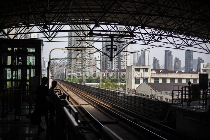 Shanhais subway system, Shanghai, China. - Connor Matheson - 2015-09-03