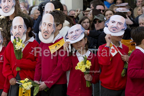 Pupils Mask Moment as they wear the face of Shakespeare. Commemorating 400th anniversary of William Shakespeare, Shakespeare's Birthday Celebrations, Stratford-upon-Avon  �' - John Harris - 2016-04-23