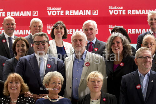 Jeremy Corbyn, his shadow cabinet and trade union leaders, Vote Remain referendum photo call, TUC Congress House, London. - Jess Hurd - 2016-06-14