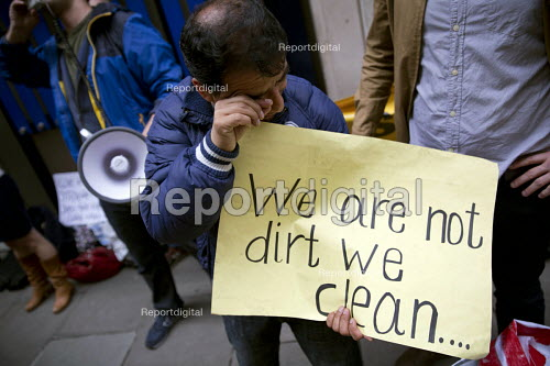 Protest by City of London cleaners on indefinite strike after half the migrant workers were sacked by Thames Cleaning. Demanding the London Living Wage they announced a hunger strike. The contractor spent 20,000 on an injunction to stop the strike but failed. - Jess Hurd - 2016-06-29