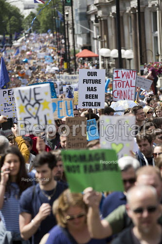 March for Europe against the Brexit EU referendum result, Central London. Our future has been stolen - Jess Hurd - 2016-07-02