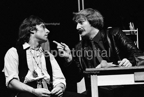 Maydays by David Edgar by RSC, The Barbican Theatre, London 1983. Anthony Sher (L) and Bob Peck (R) - Stefano Cagnoni - 1983-10-14