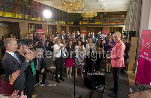 Angela Eagle Labour Party launching her leadership bid. Prominent Labour figures, including Stephen Kinnock (L), and Harriet Harman in white jacket, applauding at her press conference launching her bid to become Leader of the Labour Party, London, 2016 - Stefano Cagnoni - 2016-07-11