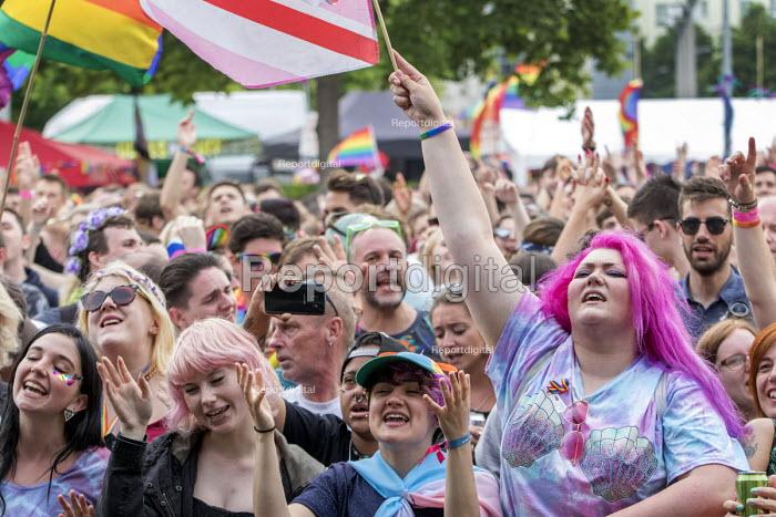 Pride Day Festival, Bristol - Paul Box - 2016-07-09