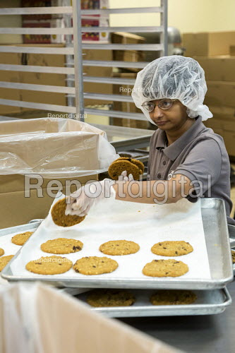 Las Vegas, Nevada, disabled baking cookies for sale in the Cookie Crafter program, nonprofit Opportunity Village - Jim West - 2016-06-30