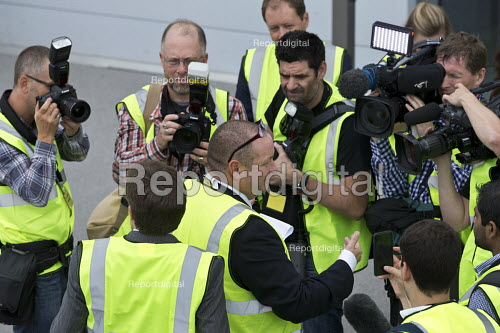 Mike Ashley talking to media as he gives a tour of Sports Direct warehouse, Shirebrook, Derbyshire - John Harris - 2016-09-07