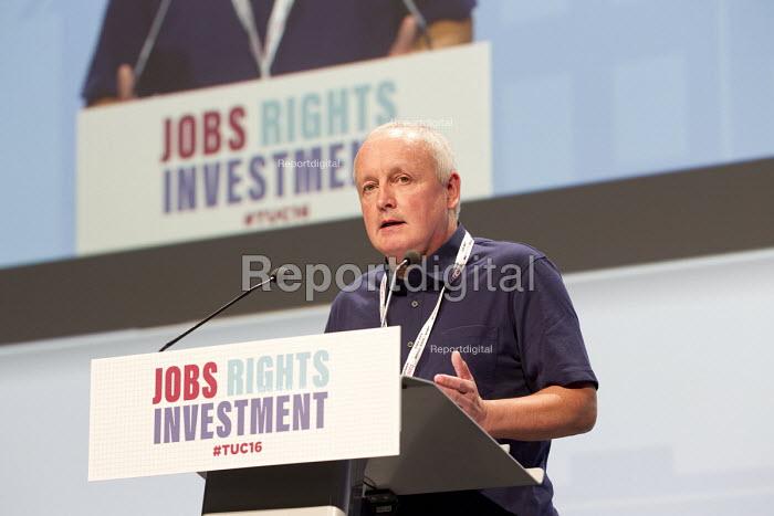Tony Kearns CWU speaking TUC conference Brighton. - Jess Hurd - 2016-09-12