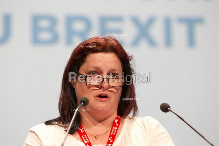 Vicky Johnson FDA speaking TUC conference Brighton. - Jess Hurd - 2016-09-13
