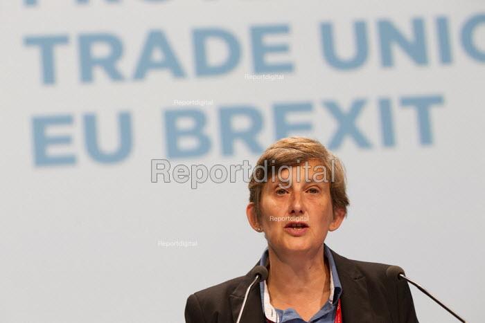 Maria Exall CWU speaking TUC conference Brighton. - Jess Hurd - 2016-09-13