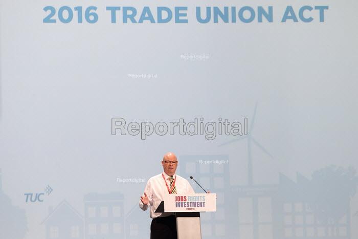 Steve Gilligan POA speaking TUC conference Brighton. - Jess Hurd - 2016-09-13
