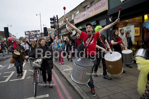 Protest against the closure and property redevelopment of Passing Clouds, a community music venue, Dalston, East London. - Jess Hurd - 2016-09-11