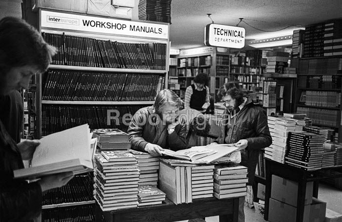 Customers browsing, Foyles Bookshop, Charing Cross Road, London, 1975 - John Sturrock - 1975-11-25