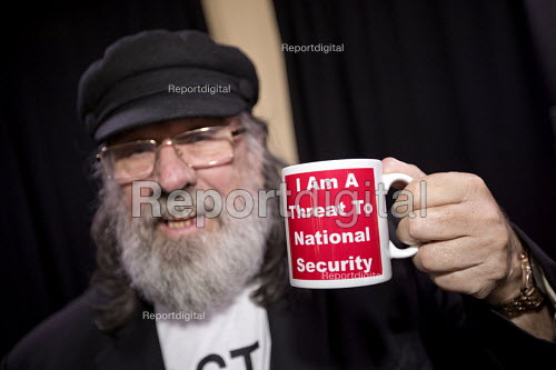 Ricky Tomlinson on his 77th Birthday, Haldane Society fringe meeting, Labour Party Conference, on The State and Political Policing. I am a threat to national security Mug - Jess Hurd - 2016-09-26