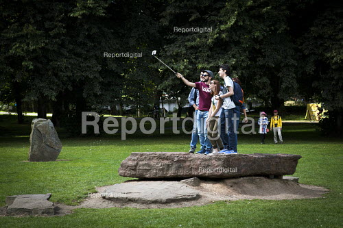 Tourists using a selfie stick. Cardiff, South Wales - Connor Matheson - 2016-07-31