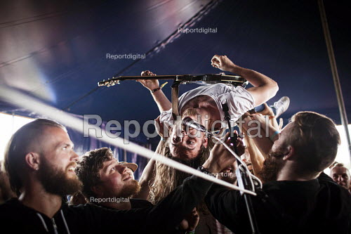 The band Heck performing at the ArcTanGen Music Festival. Bristol - Connor Matheson - 2016-08-19