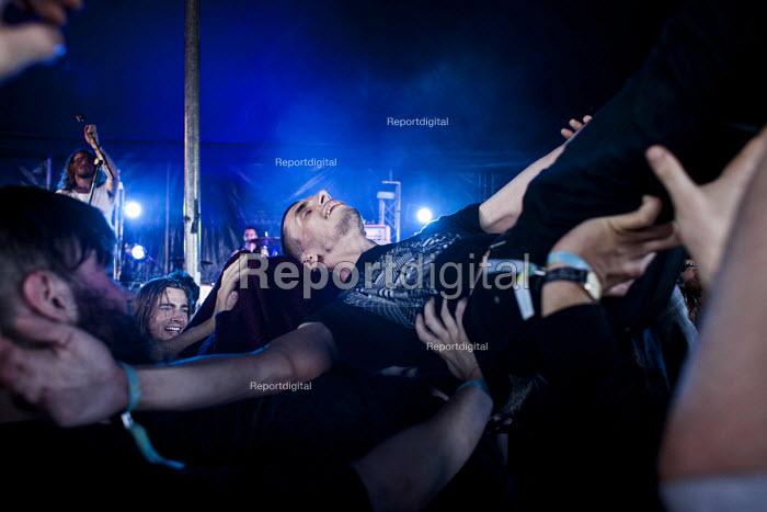 Music fans enjoying their time at the ArcTanGen Music Festival. Bristol - Connor Matheson - 2016-08-19