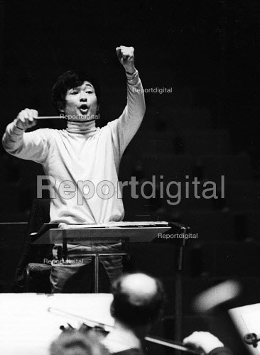 Japanese conductor Seiji Ozawa, Royal Festival Hall, London 1967 - Patrick Eagar - 1967-06-06