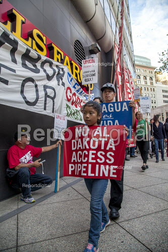 Oakland, California. Rally against Wells Fargo Bank who have financed the Dakota Access Pipe Line by unions and activists opposing construction and in solidarity with the Standing Rock Sioux water protectors - David Bacon - 2016-11-10