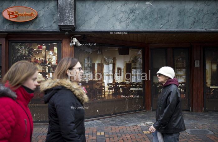 Virtual cafe bar shopfront The Broadway installed by Swindon Borough Council to encourage redevelopment, Swindon Shopping precinct, Wiltshire - John Harris - 2016-12-16