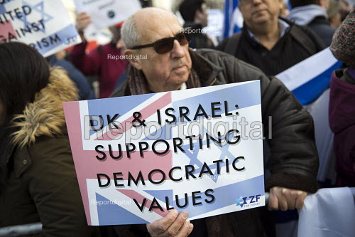 Pro Zionist protest greeting Israeli Prime Minister Benjamin Netanyahu meeting Theresa May, Downing Street, London - Jess Hurd - 2017-02-06