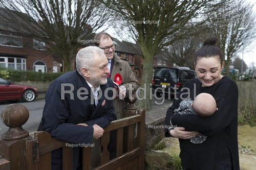 Gareth Snell and Jeremy Corbyn MP, Labour Party canvassing, Cauldon, Stoke on Trent Central, Staffordshire - John Harris - 2017-02-18