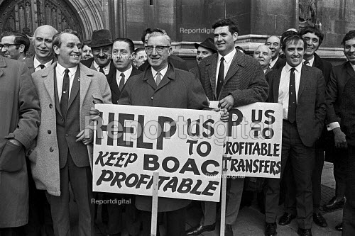 Workers from British Overseas Airways Corporation (BOAC) lobbying parliament against the proposed merger with British European Airways, London 1971. Merger did take place in 1974 when British Airways was formed - NLA - 1971-12-21