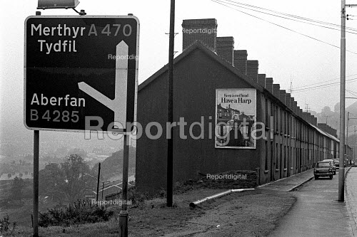 Road sign to Aberfan, South Wales, where 116 children and 28 adults were killed when a coal tip above the village collapsed and engulfed Pantglas Junior School 1971 - Peter Arkell - 1971-10-16